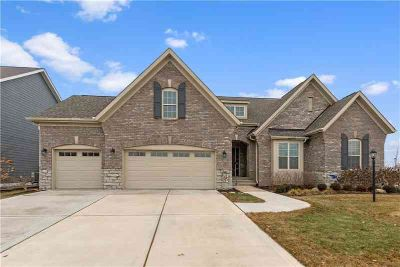 13848 Heatherfield Drive Fishers, Beautifully appointed