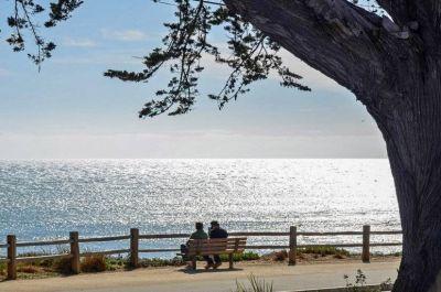 $8500 3 single-family home in Santa Cruz