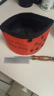 Pet Travel Water Bowl and Comb