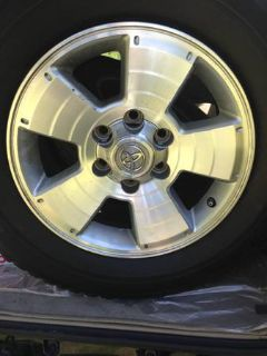 toyota 4runner stock wheels and tires
