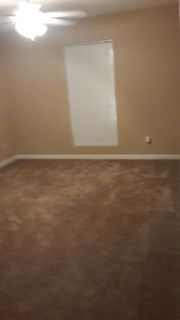 $550, 2br, two spacious bed and bathroom to share 1005 SQRTF, Male Only