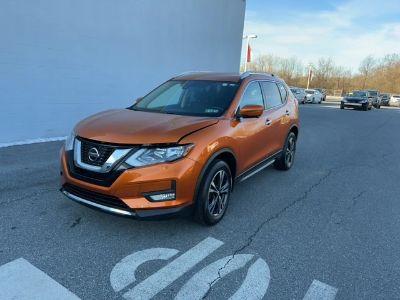 2019 Nissan Rogue SV (ebb/monarch orange)