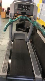 Life Fitness 95I Treadmill W/Monitor