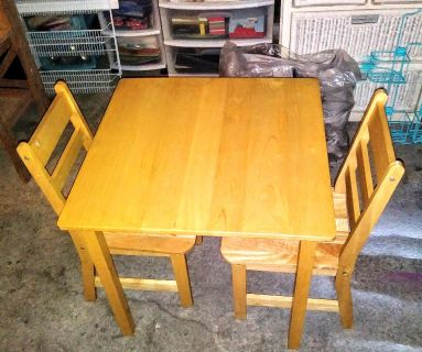 NICE REAL SOLID WOOD KID'S TABLE & 2 CHAIRS
