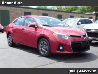 2015 Toyota Corolla L (Barcelona Red Metallic)