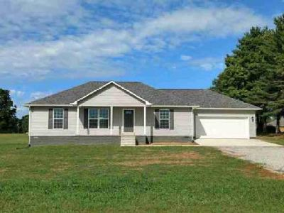 395 Lonestar Lawrenceburg Three BR, New home JUST COMPLETED!