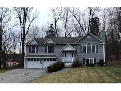 4 Bed 3 Bath Preforeclosure Property in Newburgh, NY 12550 - Michelle Dr