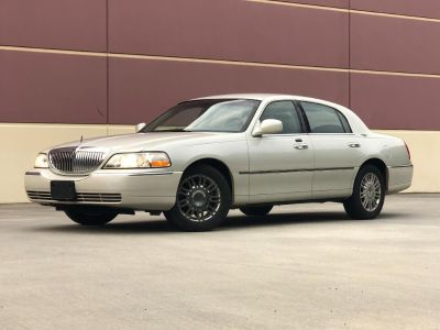 2006 Lincoln Town Car Signature Limited ()