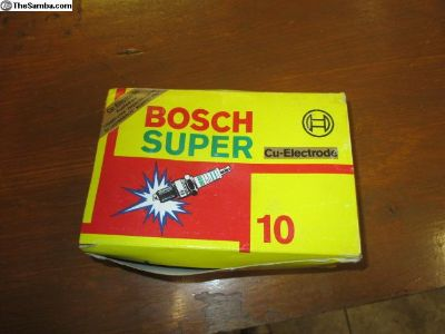 NOS Bosch super spark plugs 7502 W 8 AC