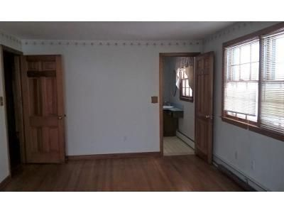 3 Bed 3 Bath Foreclosure Property in Bolton, CT 06043 - Quarry Rd