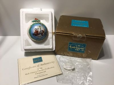 "Walt Disney Classic Collection Ornament 2000 from Walt Disney's ""Pluto's Christmas Tree"" G4 *crossposted"