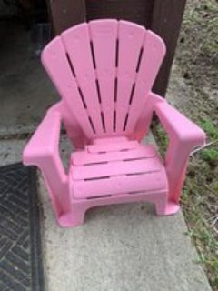 Plastic patio, beach or pool chair for child