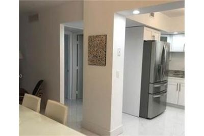 2 bedrooms Apartment - Beautiful 2Bed/2 Bath in the heart of Miami Beach, remodeled. Parking Availab