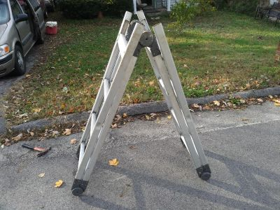 4 foot, 8 foot And 16 Foot Extension Versatile Ladder