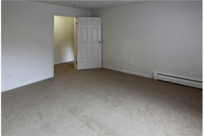 2 bedrooms Apartment - Enjoy all the conveniences of city living in a quiet. Pet OK!