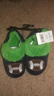 Nwt slippers 7/8
