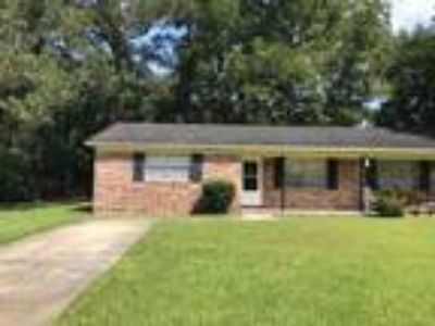 118 Mayberry Court - 2/1 850 sqft