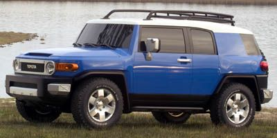 2007 Toyota FJ Cruiser Base (White/Black Diamond)