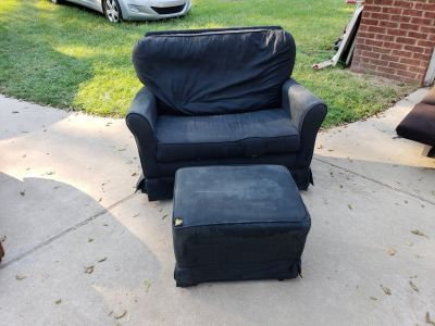 Large Rocking Chair With Ottoman!