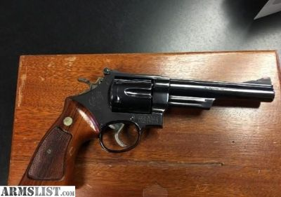 For Sale: Smith & Wesson Model 57 (no dash) in .41 Magnum S & W Model 57 (no dash) blue/wood grips-.41 Mag