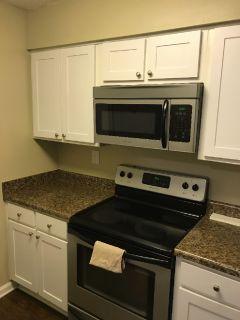 Beautiful Uptown Apartment - 1 Bedroom - Uptown Gardens