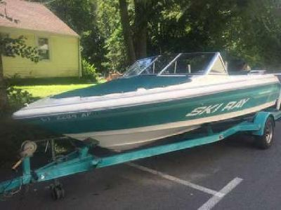 1993 19' Sea Ray Boat With Trailer