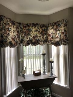 Custom made lined curtains w/rods