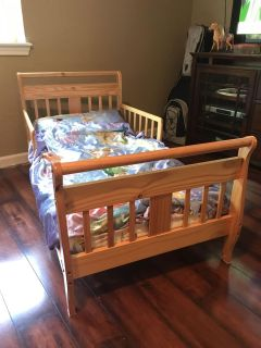Toddler Bed in excellent condition