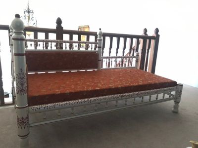 furniture - Silver metal love seat