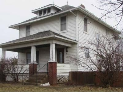 4 Bed 1 Bath Foreclosure Property in Marysville, OH 43040 - State Route 31