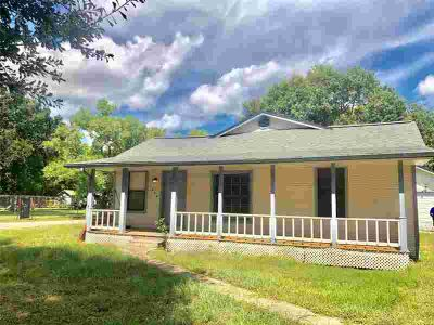 1224 N Valderas Street ANGLETON Two BR, Adorable and Affordable