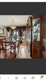 Beautiful dining room Set, table, 6 chairs and China cabinet Buffet. High end, Tiger Paw Feet. moving