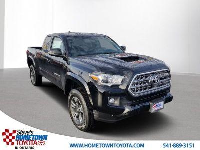 2017 Toyota Tacoma TRD Sport (black)