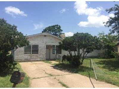 2 Bath Preforeclosure Property in Abilene, TX 79603 - Jameson St