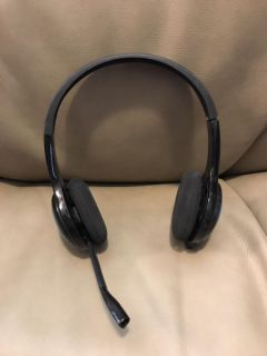 Logitech wireless USB adjustable headset with mic