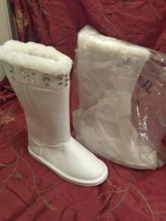 Brand new white ugg style boots size 8