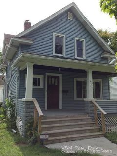 AVAILABLE 1/1!!!!!!! Nice 3 bedroom, single family home with lots of charm near Western Hazel Park area of Saint Paul