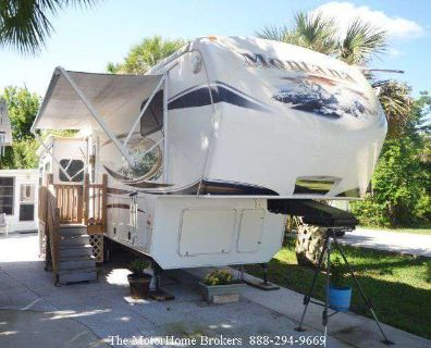 2013 Keystone Montana Big Sky 3402RL (in FL)