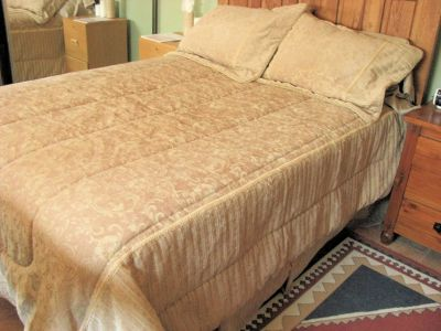 Beautiful Golden colored Brocaded 5 piece Full Bedspread. Made by Westone Home Collections