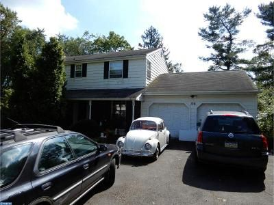 4 Bed 2.5 Bath Foreclosure Property in Feasterville Trevose, PA 19053 - Pinehill Rd