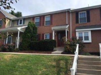 3BR, 1.5 Bath Townhome w/ Finished Basement & Private Rear Deck