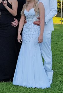 Prom Formal Gown Camille La Vie sz 0 White Trumpet Homecoming Long Bead Sequin Bead Iridescent V...