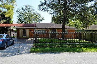 Homes for Sale Houston - 3BHK Single Family