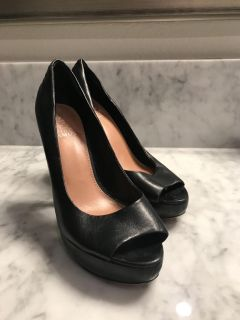 Vince Camuto Womens Leather Heals