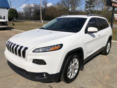 2015 Jeep Cherokee Latitude (White)