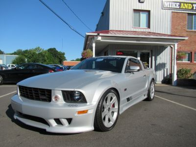 2005 Ford Mustang GT Deluxe (Satin Silver Metallic)