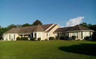 Very Large Single Level Home W/ Mother-In-Law Suite, Pool, 2 Kitchens