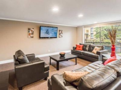 2 Beds - 12 Central Square