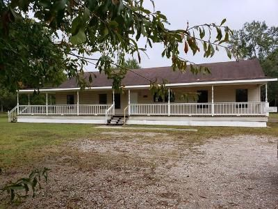 3 Bed 2 Bath Foreclosure Property in Orange, TX 77632 - State Highway 87 S