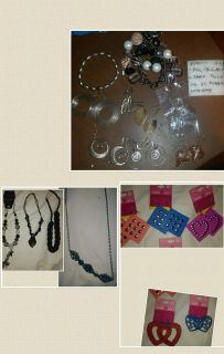 Mixed jewelry lot. Over 40 pieces